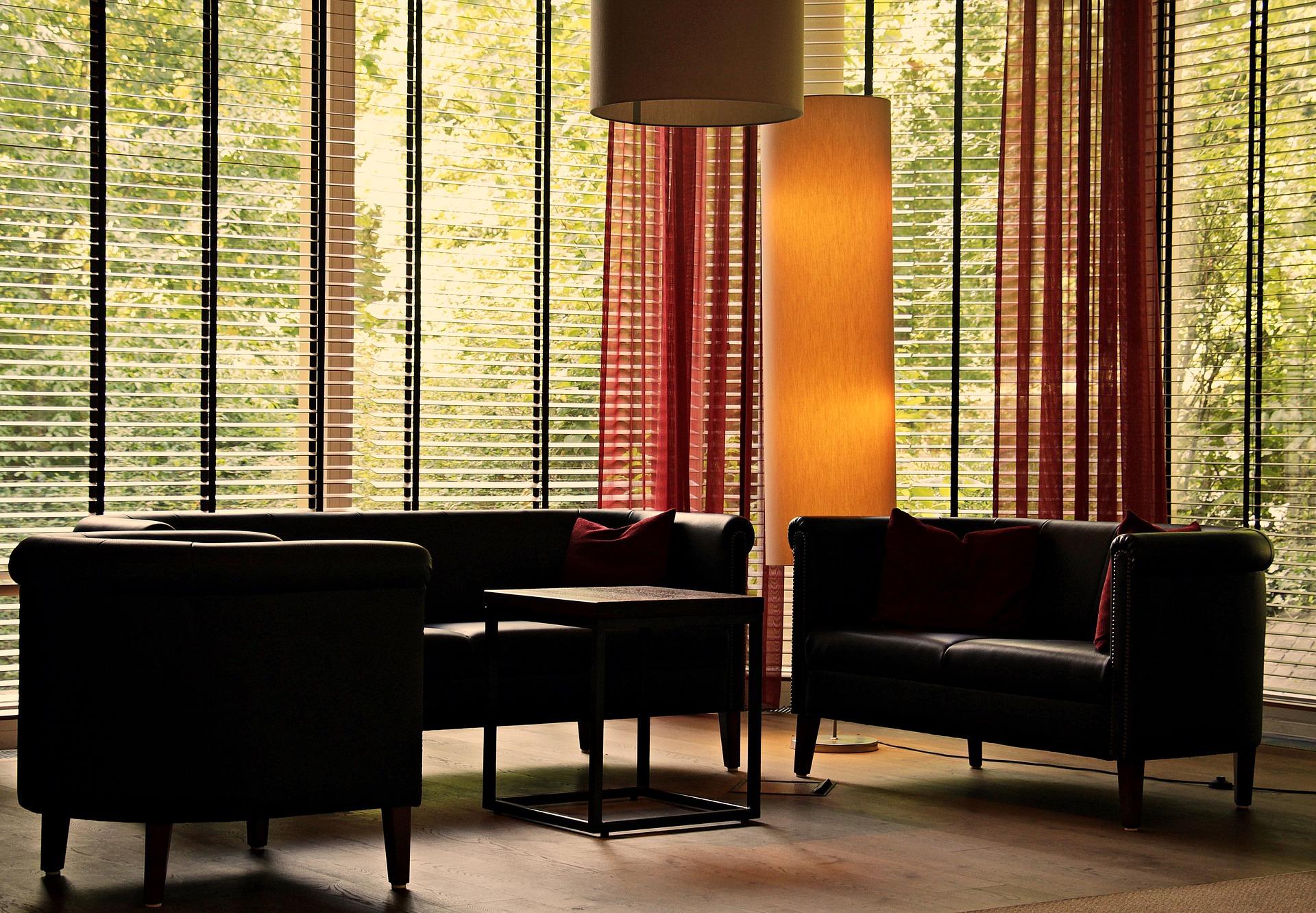Komfortowe i piękne wnętrze. Jakie wybrać rolety?